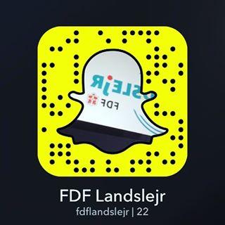 """<a target=""""_blank"""" href=""""https://instagram.com/fdflandslejr/""""><b>fdflandslejr</b></a> Så er Landslejrens Snapchat klar, og det bliver vildt  Skynd jer ind og tilføj os  #fdfll #legløs #landslejr #fdfoplevelser #ståsted"""