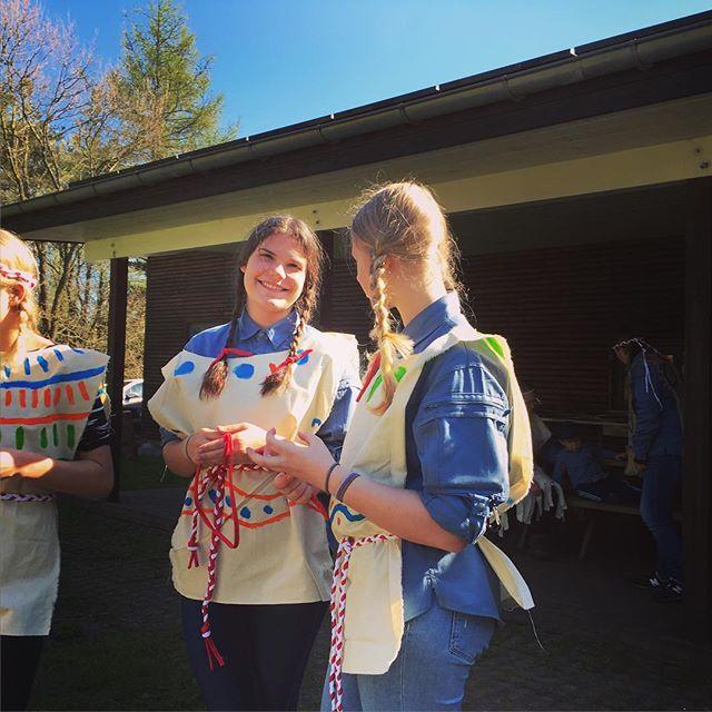 "<a target=""_blank"" href=""https://instagram.com/fdfarnborg/""><b>fdfarnborg</b></a> De store hjælpeledere klar til indianer sommerlejr. #heldigmedvejret #fdf #fdfarnborg #ståsted #scout"