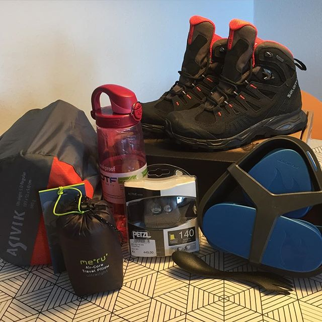 "<a target=""_blank"" href=""https://instagram.com/louisesaugstrup/""><b>louisesaugstrup</b></a> Nyt grej  Sååå klar til landslejr til sommer! // New gear  Sooo ready for camp this summer!  #grej #gear #new #nyt #salomon #salomonboots #asivik #lightmyfire #petzl #nalgene #loveit #LL16 #landslejr #snartklar #FDF #ståsted #fdfll16 #happy #glad #outdoor #friluft #friluftsliv #outdoorlife # # #️ # #grinet #gultrige"
