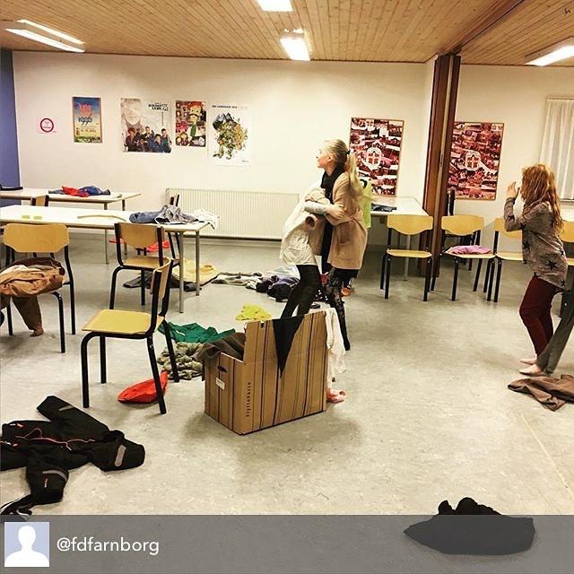 """<a target=""""_blank"""" href=""""https://instagram.com/fdferne/""""><b>fdferne</b></a> Repost fra @fdfarnborg - Der arbejdes med roller til musikvideo #fdfoplevelser #fdfarnborg #scouts"""